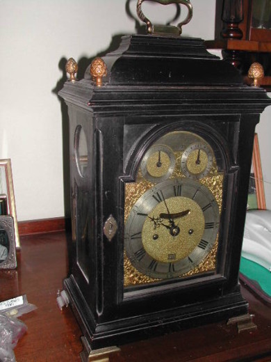 Timepiece Repairs Bracket And Mantel Clocks